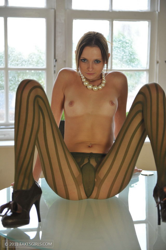 pantyhose stretching
